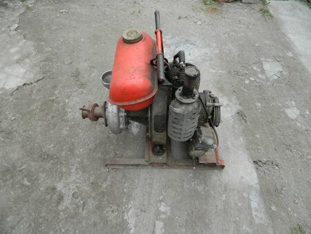 motor for watering the garden with gasoline