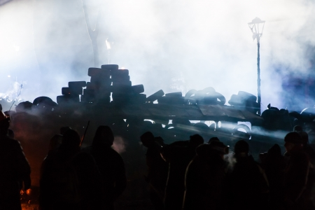 maidan: KIEV, UKRAINE - January 24, 2014: Mass anti-government protests in the center of the Ukrainian capital Kiev. Waiting to storm by government troops on Hrushevskoho St. Editorial