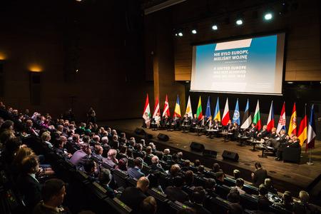 GDANSK, POLEN - 7 mei 2015: Paneldiscussie: De gevolgen van de Tweede Wereldoorlog 70 jaar