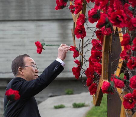 reconciliation: KIEV, UKRAINE - May. 08, 2015: UN Secretary General Ban Ki-moon at the opening of installation Ukraine... War... within the Poppies of memory on the Day of Remembrance and Reconciliation in Kiev Editorial