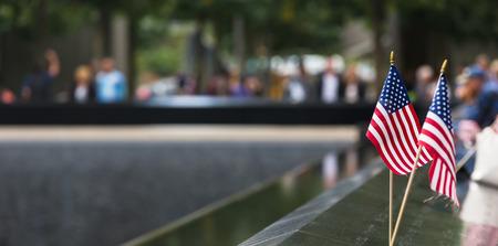 世界貿易センター グラウンド ゼロでニューヨーク、米国 - Sep 27, 2015: 記念。2001 年 9 月 11 日攻撃の 10 周年記念に捧げられました。 写真素材 - 45701763