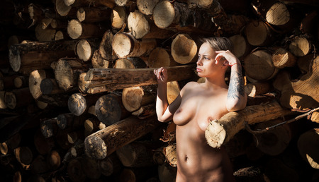 Naked women in log cabins — photo 7
