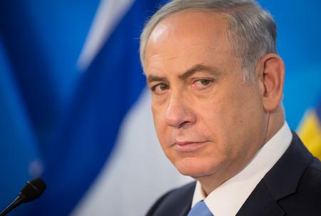 예루살렘, 이스라엘 -2011 년 12 월 22 일 : 예루살렘에서 우크라이나 페트로 Poroshenko 대통령과 회의 중 벤자민 Netanyahu 이스라엘 총리