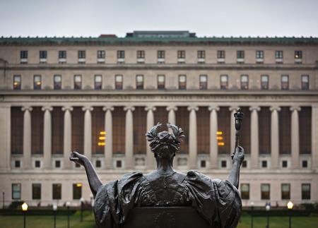 NEW YORK, USA - 26 september 2015: Alma Mater. New York City's Columbia University, een Ivy League school.