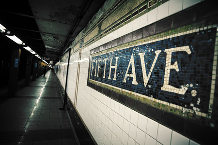 fifth avenue: Mosaic sign at The Fifth Avenue Subway Station in Manhattan