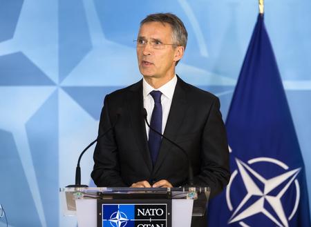 BRUXELLES, BELGIQUE - 20 octobre 2016: Portrait du Secrétaire général de l'OTAN, Jens Stoltenberg, lors d'une conférence conjointe avec le président de l'Ukraine Petro Porochenko