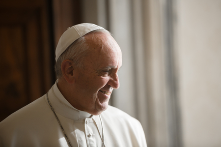 VATIKANSTADT, VATIKAN - 20. November 2015: Papst Francis während eines Treffens mit ukrainischem Präsidenten Petro Poroshenko