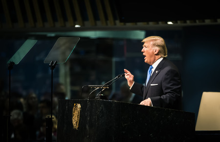 NOVA YORK, EUA - 19 de setembro de 2017: Presidente dos Estados Unidos Donald Trump fala na discussão política geral durante a 72ª sessão da Assembléia da ONU em Nova York