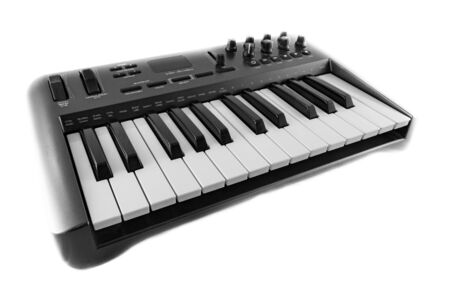 USB MIDI Synthesizer Keyboard Controller. Shot on white background. Banque d'images
