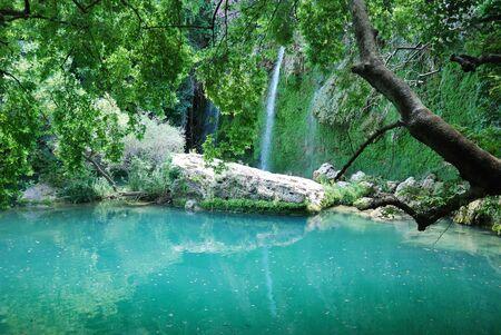 Exotische waterval en de rivier in Turkije