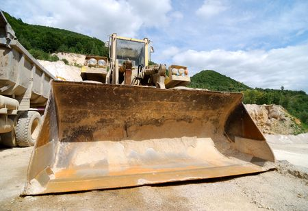 Front view on excavator shovel Stock Photo - 3903507