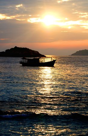 Sunrise on Palau Redang, Malaysia Stock Photo - 6293706