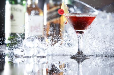 Red Cocktail mit splash Lizenzfreie Bilder