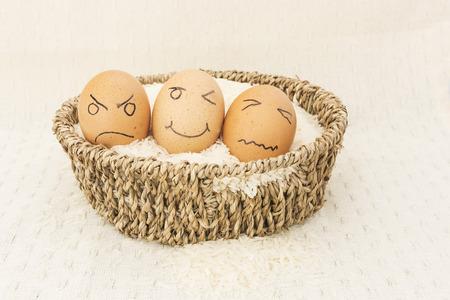 Hühnerei auf dem rohen Reis Standard-Bild - 30856378