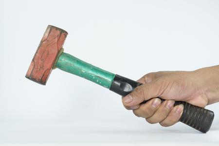 Hand mit Hammer isolieren, auf dem weißen Hintergrund Standard-Bild - 47162235