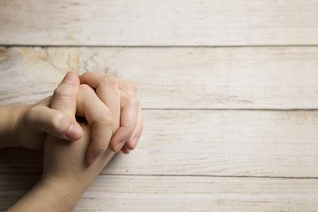 祈りの手 写真素材