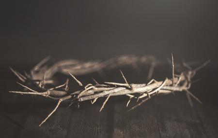 Jesus Dornenkrone in einer stimmungsvollen Umgebung