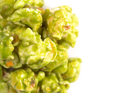 Lime Flavored Popcorn on a White Background Фото со стока - 122562710