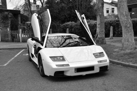 presti: Samochód Prestige