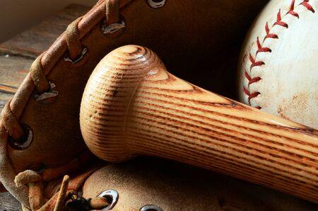 トップ ビュー イメージは昔の野球用具を使用しました。