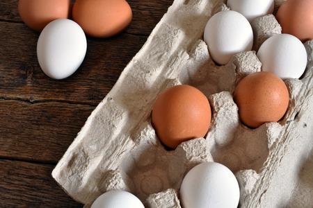 Rustic Style Egg Background Standard-Bild - 100280127