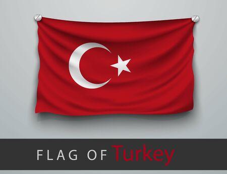 turkey: Bandera de Turqu�a maltratadas, colgada en la pared, tornillos atornillados