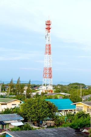adentro y afuera: Antena de fuera de la ciudad, la tecnología de la comunicación y los negocios