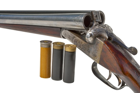 vintage rifle: hunting vintage rifle and cartridges isolated on white background