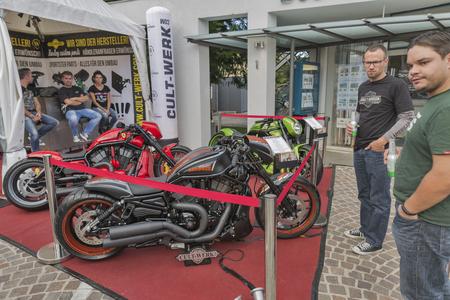 VELDEN, OOSTENRIJK - SEPTEMBER 08, 2015: Fietsers uit heel Europa tijdens het jaarlijkse European Bicycle Week festival. Nu staat het onder de grootste en beste motorfietsevenementen in Europa.