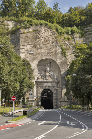 altstadt: Siegmundstor or Neutor Tunnel connects the Altstadt Salzburg town centre with the city districts of Riedenburg, Maxglan and Leopoldskron. It was built between 1764 and 1767. Austria.