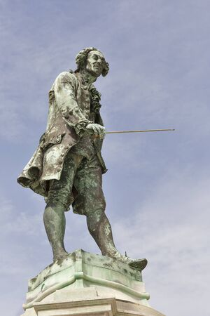 violinista: Violinista y compositor Giuseppe Tartini estatua de cerca en Piran, Eslovenia Foto de archivo