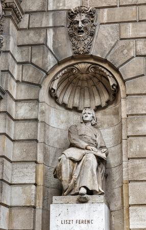 liszt: Ferenc Liszt statue at the Hungarian opera house, Budapest, Hungary
