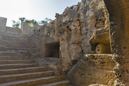 templo griego: Tumbas de los Reyes museo arqueológico de Pafos, en Chipre
