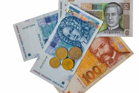 크로아티아어 통화 지폐와 동전 매크로 화이트 복사본 공간에 고립 된 집합. 1 백 50 개의 10 kuna 노트.