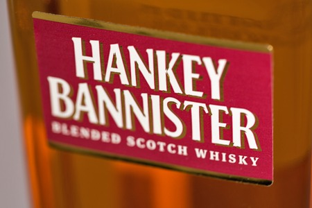 KIEV, UKRAINE - DECEMBER 25, 2018: Hankey Bannister blended Scotch Whisky closeup. Founded in 1757 Hankey Bannister was a favourite with war time Prime Minister Sir Winston Churchill. Banque d'images - 124912272