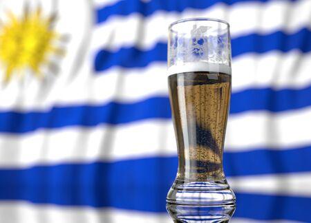 bandera de uruguay: ilustración realista 3d de un vaso de cerveza delante de una bandera uruguaya borrosa