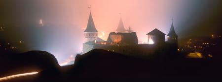 proved: Regione Ucraina Khmelnytsky 25 Giugno 2009 I resoconti storici risalgono al Castello Kamianets-Podilskyi agli inizi del 14 � secolo, anche se recenti evidenze archeologiche hanno dimostrato l'esistenza umana nella zona posteriore al 12 � o 13 � secolo.