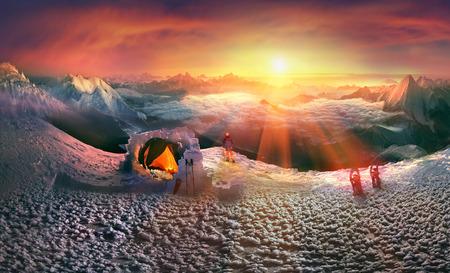 ムーンライズ、にかけてのヒマラヤ、ファンタジー、おとぎ話のロマンチックな旅行のような高い山もオープンの高さ - 元の写真を愛した写真家の