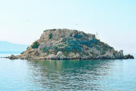 onbewoond: Klein, onbewoond eiland