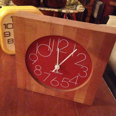 decor: Wood clock