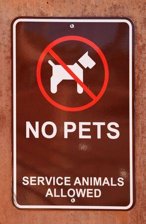 Brun signe pas d'animaux sur un mur Banque d'images - 4491477