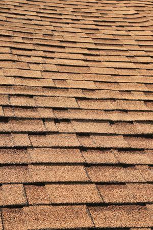 verticale dettaglio tetto di scandole marrone