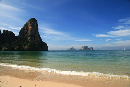 railay: Railay beach in Krabi Thailand with the Thaiwand wall