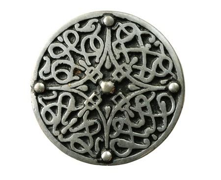tinnen Keltische broche pin geïsoleerd op wit