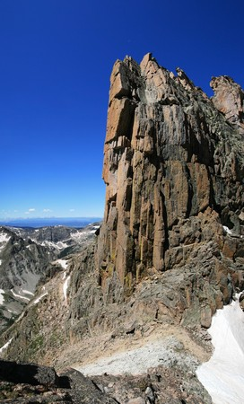 de rotsachtige klif van Powell Peak in het nationaal Park Rocky Mountain