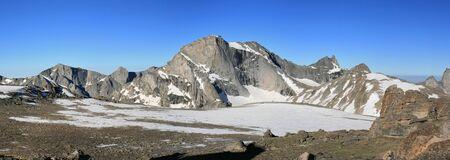 ワイオミング州風川範囲でトカゲ頭ピークを含む山のパノラマ 写真素材