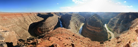 panoramic image of the incised meanders of the goosenecks of the San Juan River Stock Photo - 8419031