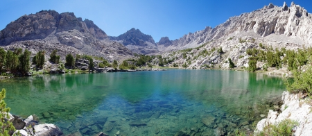 Panorama of unnamed Sierra Nevada mountain lake and Dragon Peak Stock Photo - 14333681