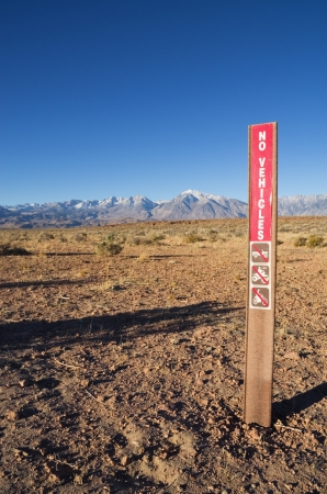 tableland: no vehicles sign on the volcanic tableland near Bishop California Stock Photo