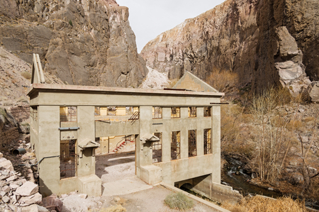 old hydroelectric power plant ruins in the Owens River Gorge Stock Photo
